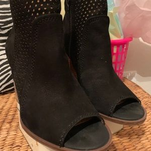 Lucky Brand Booties Size 9 black